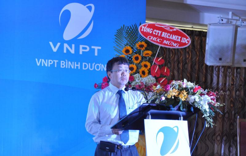 Lãnh đạo VNPT Bình Dương lên phát biểu.